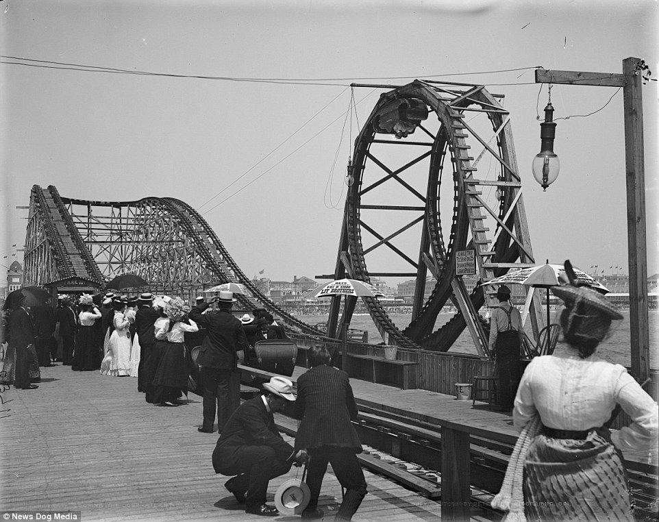 Looping the Loop roller coaster in Atlantic City, New Jersey, circa 1901. It was among the earliest of its kind and a stood at Young's Million Dollar Pier from 1901 to 1912. The racing roller coasters were closed after reports of being extremely uncomfortable to ride due to g-force