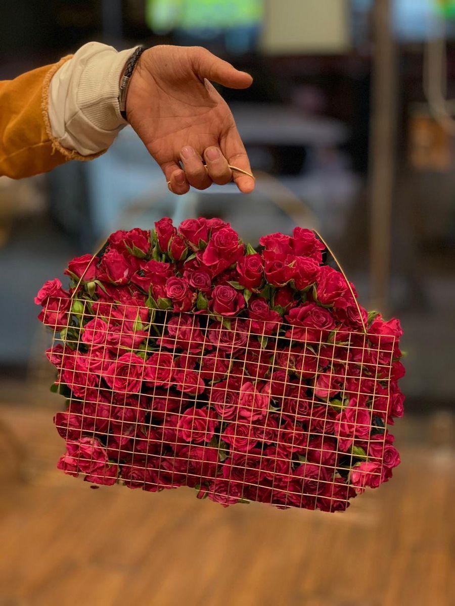 Pin By Uuo O O Uuo U On تنسيق الزهور In 2021 Strawberry Fruit Food