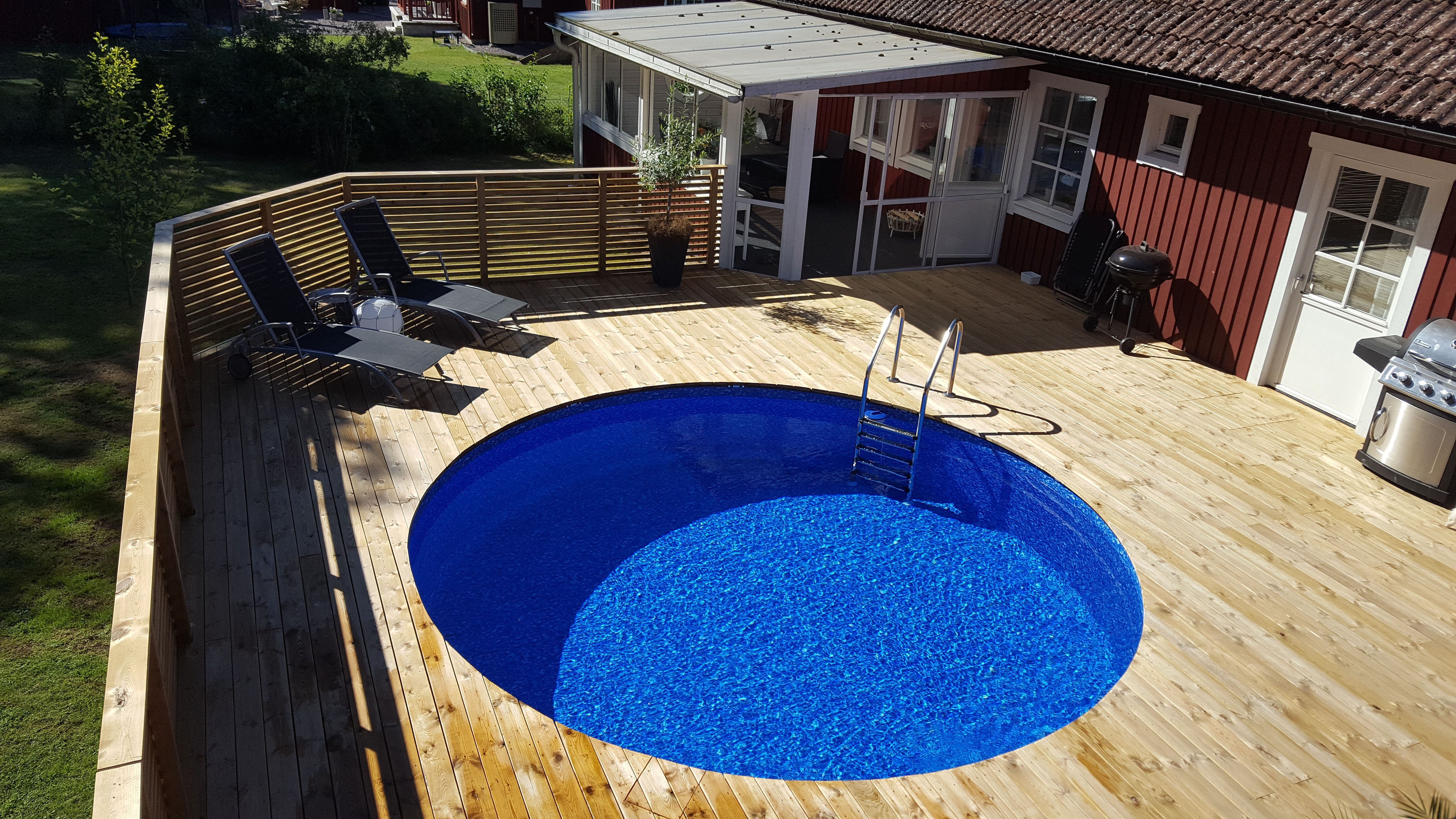Ovanmarkspool, rund pool nedgrävd från Primastar Pool