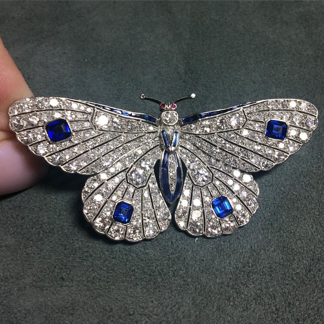 Loved this pretty little diamond and sapphire butterfly brooch with