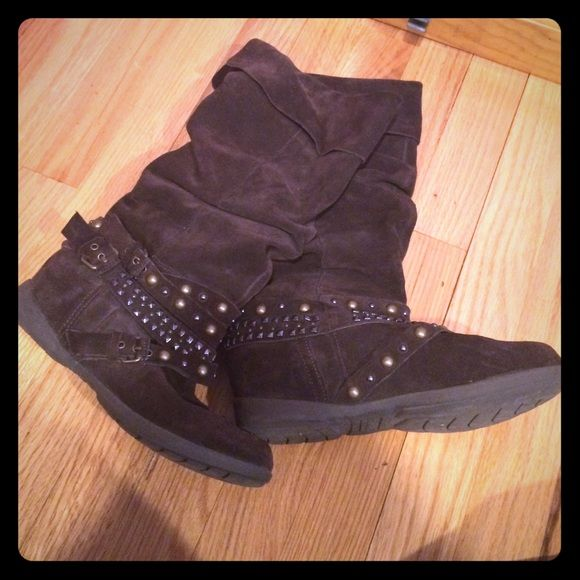 Brown suede boots Brown suede boots with metal design size 6 only worn once Shoes