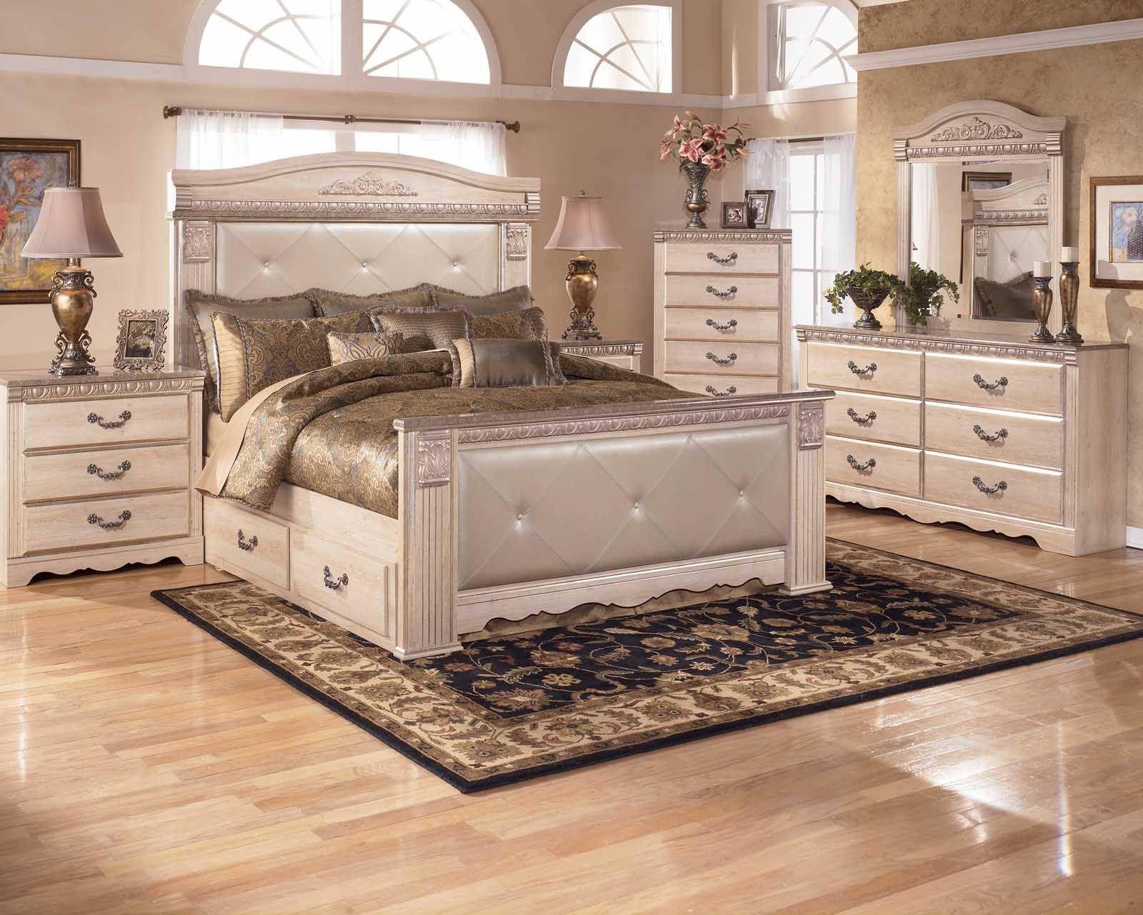 Silverglade Mansion Bedroom Set With Underbed Storage