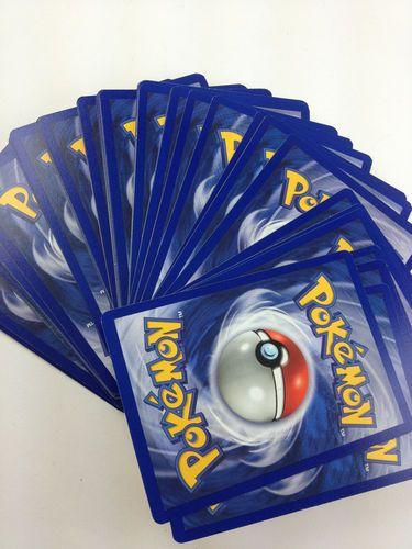 Et puis forcément.......Pokemon cards!