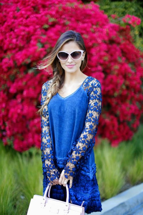 Bright Blooms: Blue & Pink.