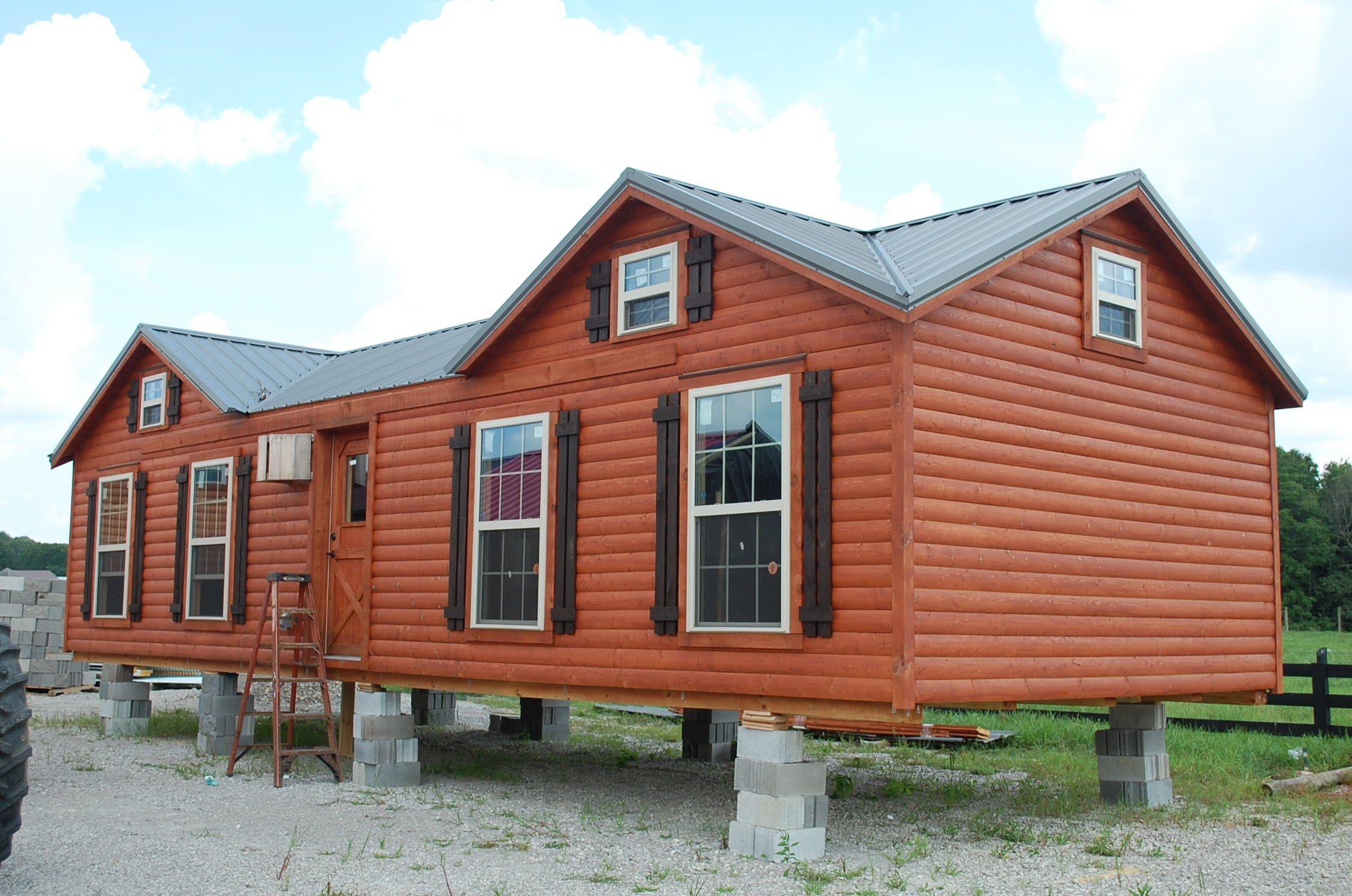 The Kentuckian cabin has the same beautiful double gables