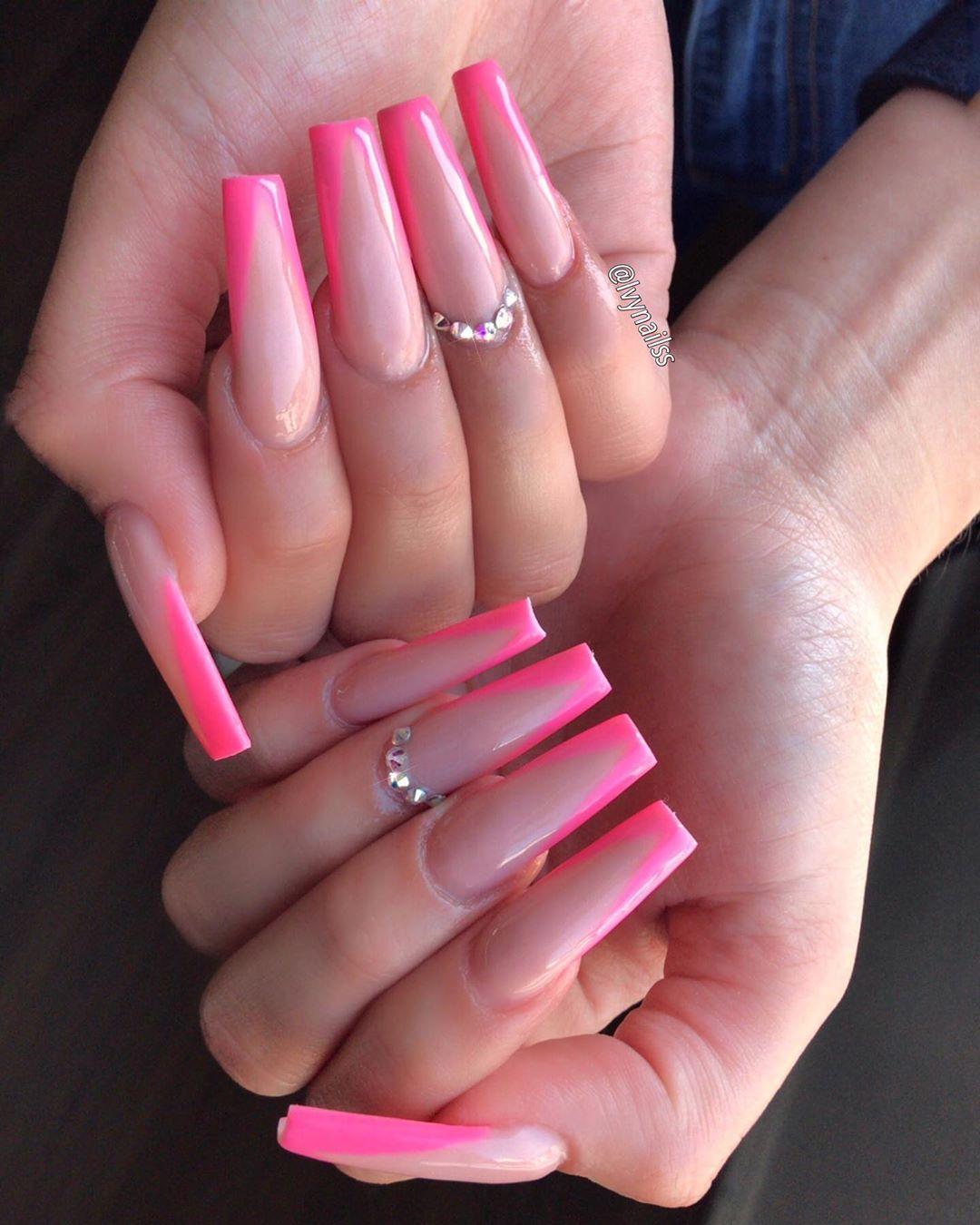 Diggin The V For Ashleyyeezus Nailsonfleek Nail Nai Long Square Acrylic Nails Pink Acrylic Nails Pretty Acrylic Nails