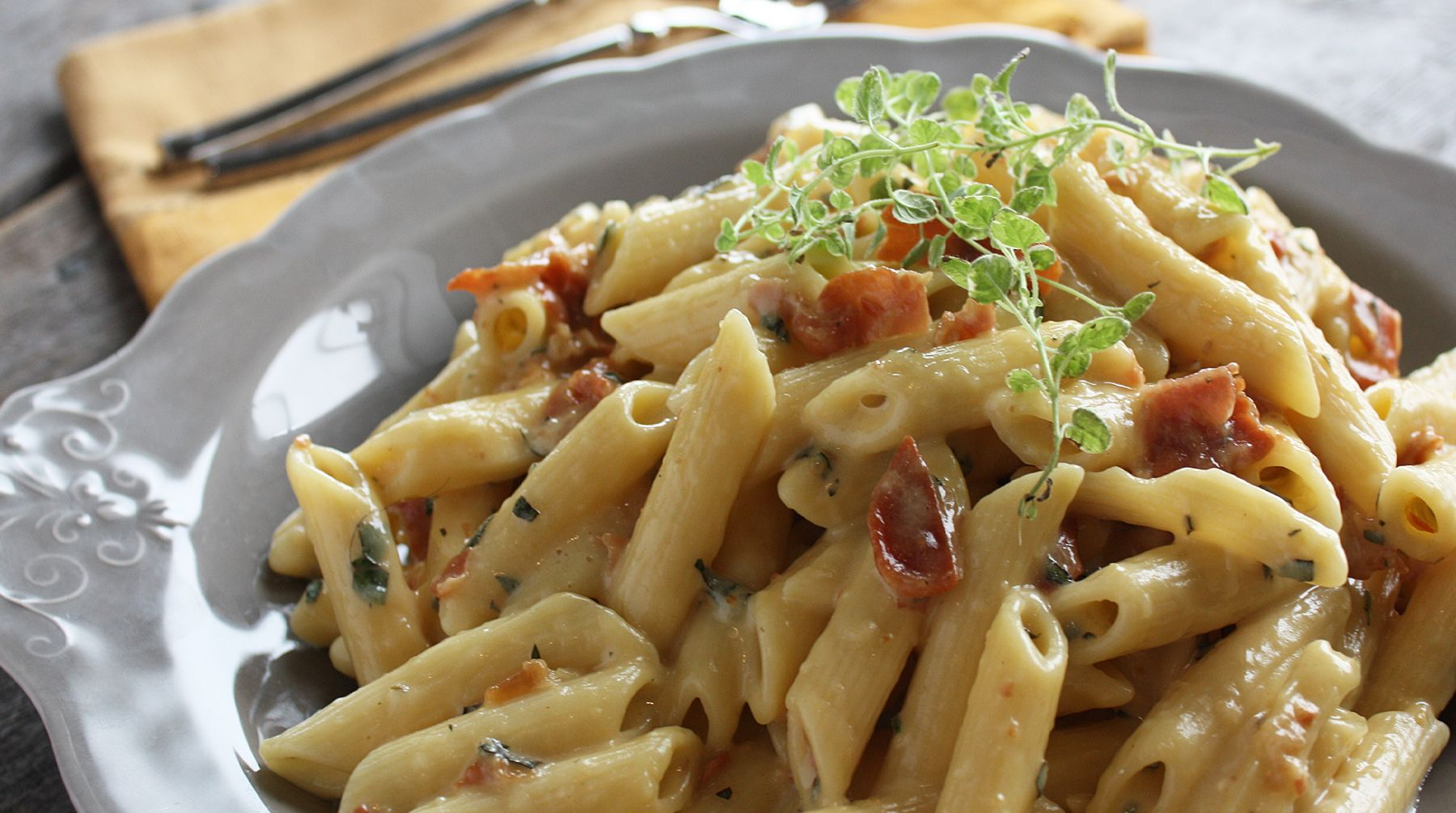 Try this quick and easy pasta carbonara recipe by michael smith from get delicious asian recipes cooking tips and healthy food from anna olson sarah benjamin gordon ramsay sherson and more only at asian food channel forumfinder Images