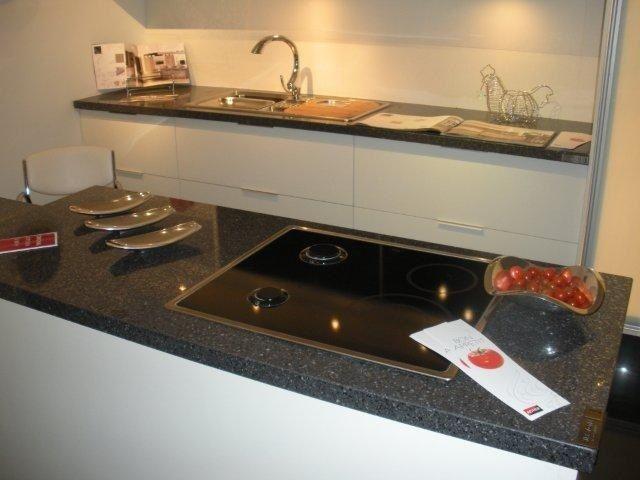 Best Mid Century Modern Kitchen Silestone Zirconium 400 x 300