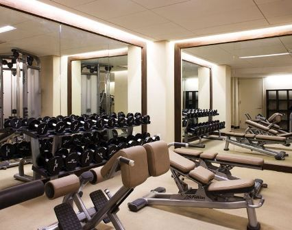 Fitnessraum zu hause luxus  Cannot wait to have an at-home fitness room! | Black & White & Camel ...