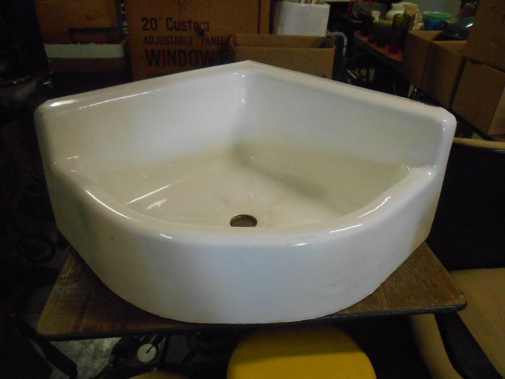 Antique American Standard Porcelain Cast Iron Corner Sink P7740