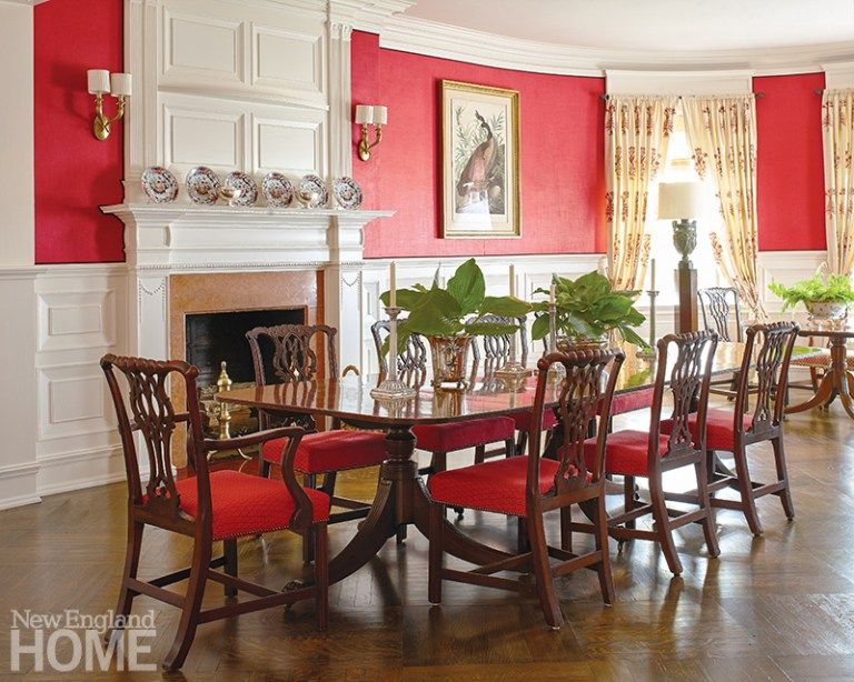 J Randall Powers Refreshes A 19th Century Newport Cottage The Glam Pad Newport Cottages Cottage Design House And Home Magazine