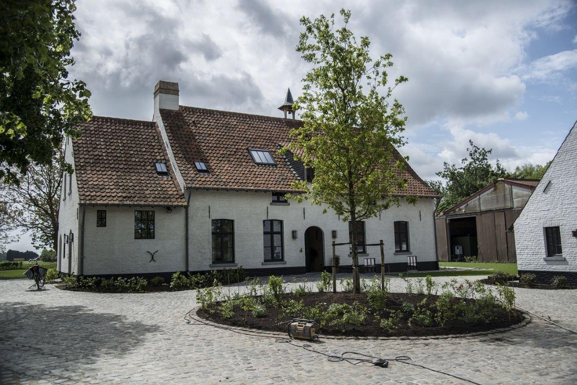 Architecten peter bovijn en sophie watelle woningen for Architect landelijk
