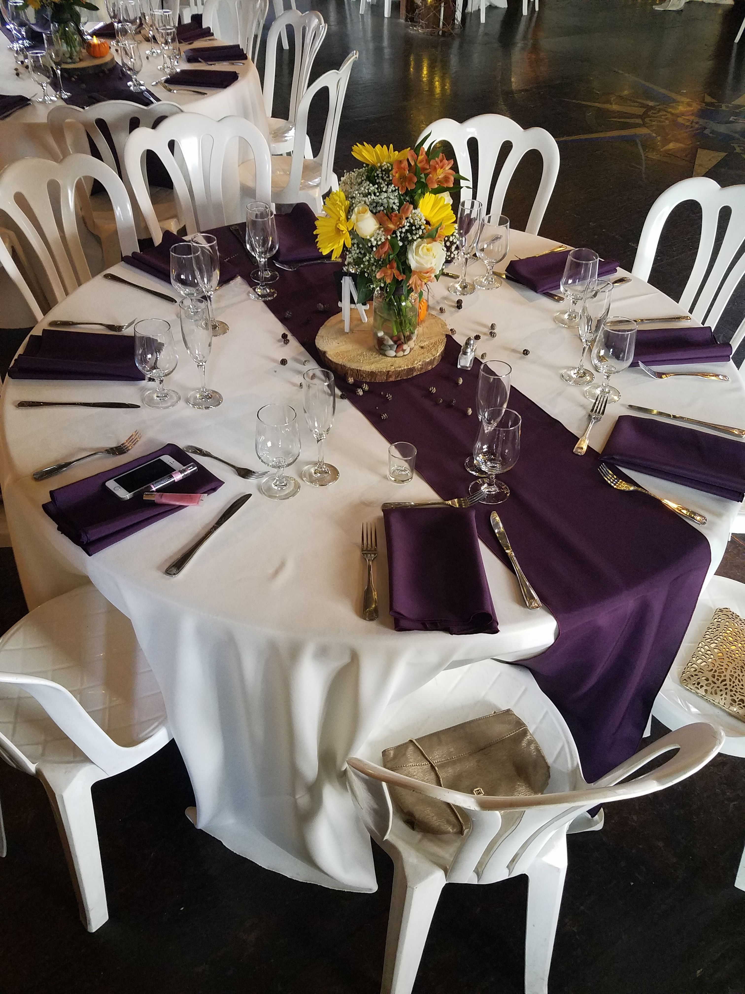 Ivory Table Linens With Eggplant Napkins And Runners Wedding
