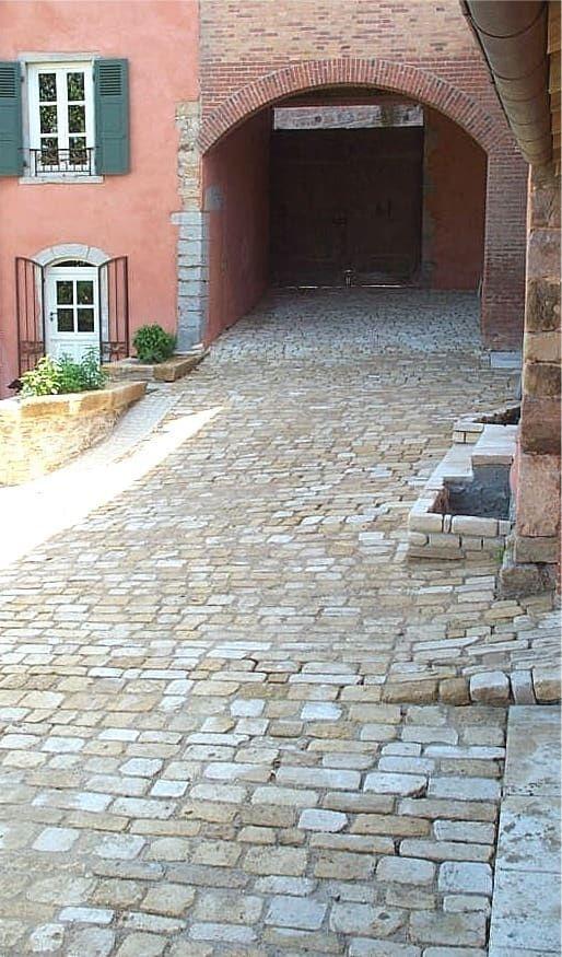 Pavés vieillis cîteaux en pierre naturelle de bourgogne: de style par ateliers pierre de bourgogne, éclectique