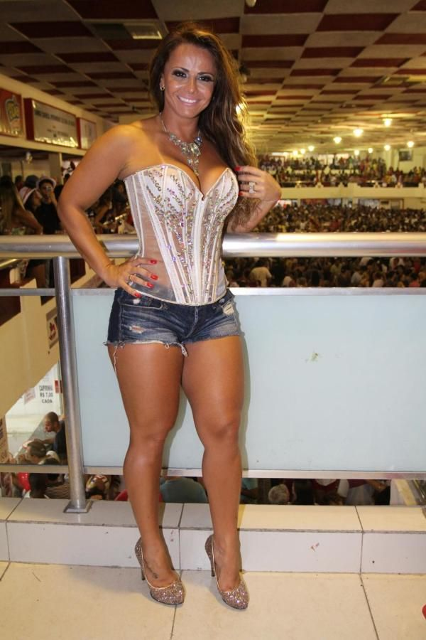 Hot latina milf legs