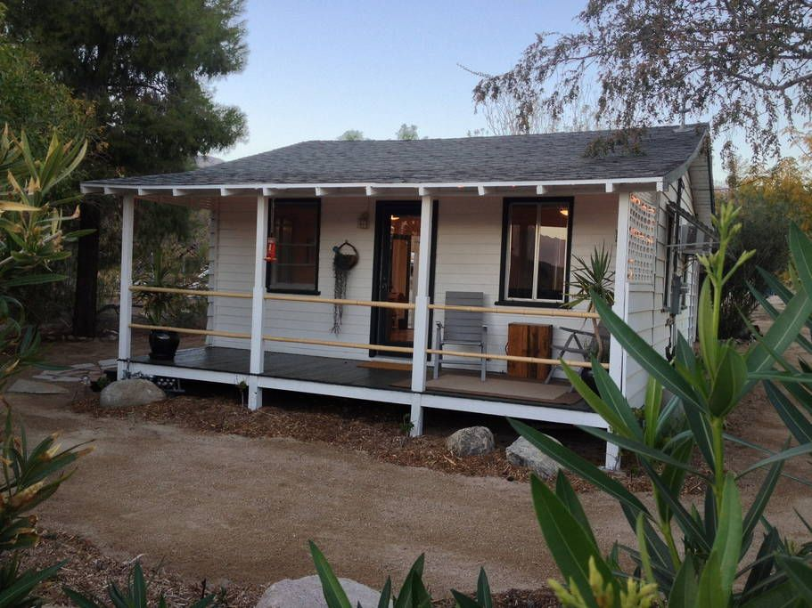 Little White House Houses For Rent In Morongo Valley Little White House Renting A House Coastal Cottage