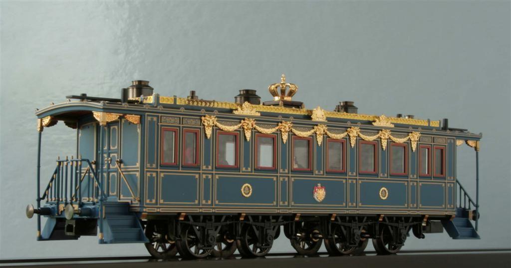 Vag'on real del tren del Rey Ludwig II, con ornamentaciones e incrustaciones en oro