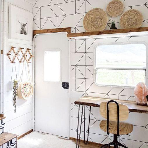 This family transformed their RV into a tiny modern farmhouse! Featuring @WhiteHouseMuddyFeet on