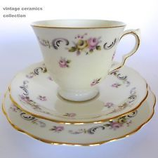 Queen Anne Ridgway Bone China Vintage Trio 8348 Cup & Saucer Side Cake Plate A1