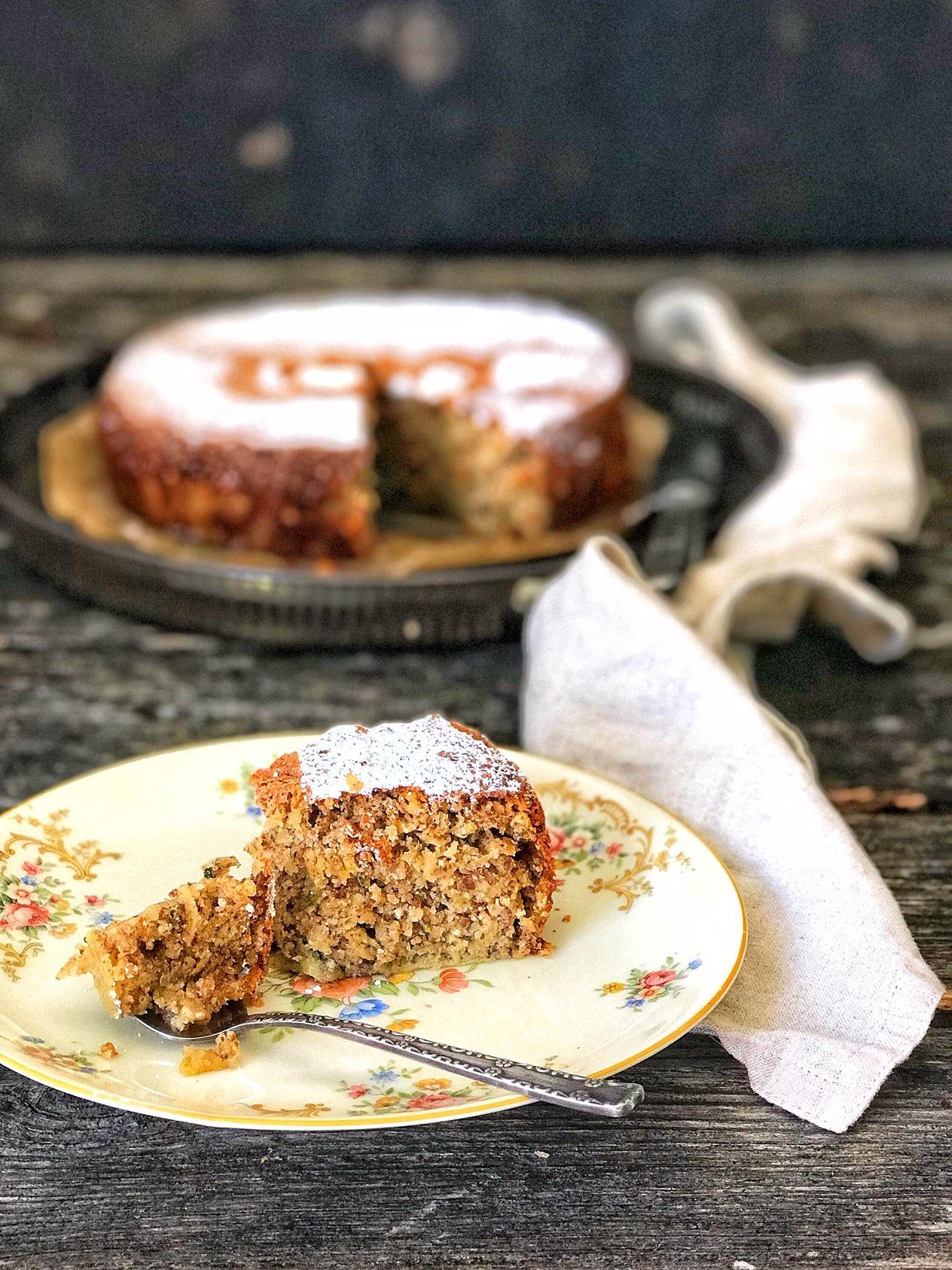 Einfacher Zucchini Nuss Kuchen Mit Apfel Zucchini Kuchen Kuchen Ohne Zucker Und Mehl Apfel Nuss Kuchen