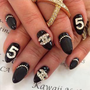 chanel nail art black and bling