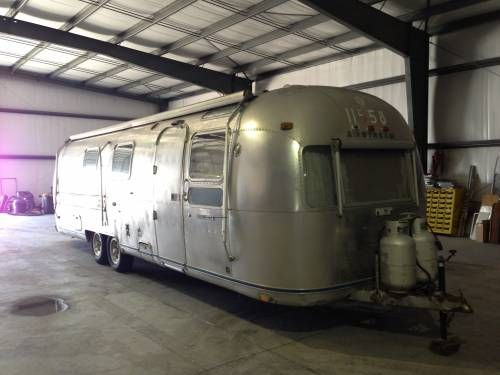 1976 Vintage Airstream Sovereign 31 footer with awnings ...
