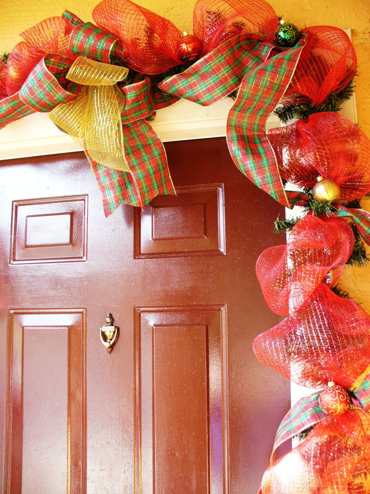 The Sparkle Queen How To Beautiful Christmas Door Garland Diy Christmas Door Christmas Door Holiday Crafts Christmas