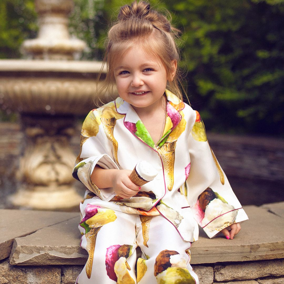 2 028 Likes 33 Comments Sophie Anna Rose Littleangelsophie On Instagram My First September 1 At Young Preschool Kimono Top Women Anna Rose