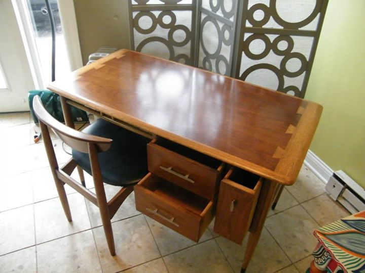 Mid Century Lane Acclaim Desk