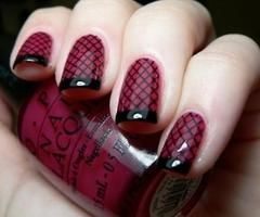 Love it!  Fishnets for your fingers!!  HAHA