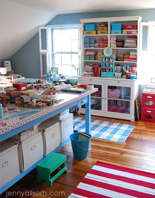 sewing studio love the colors! Mi taller de trabajos manuales - Trabajos Manuales
