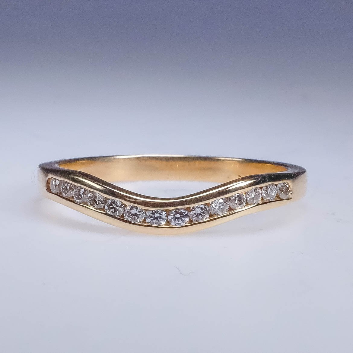 New 14K Yellow Gold 0.20ctw Diamond Accented Curved