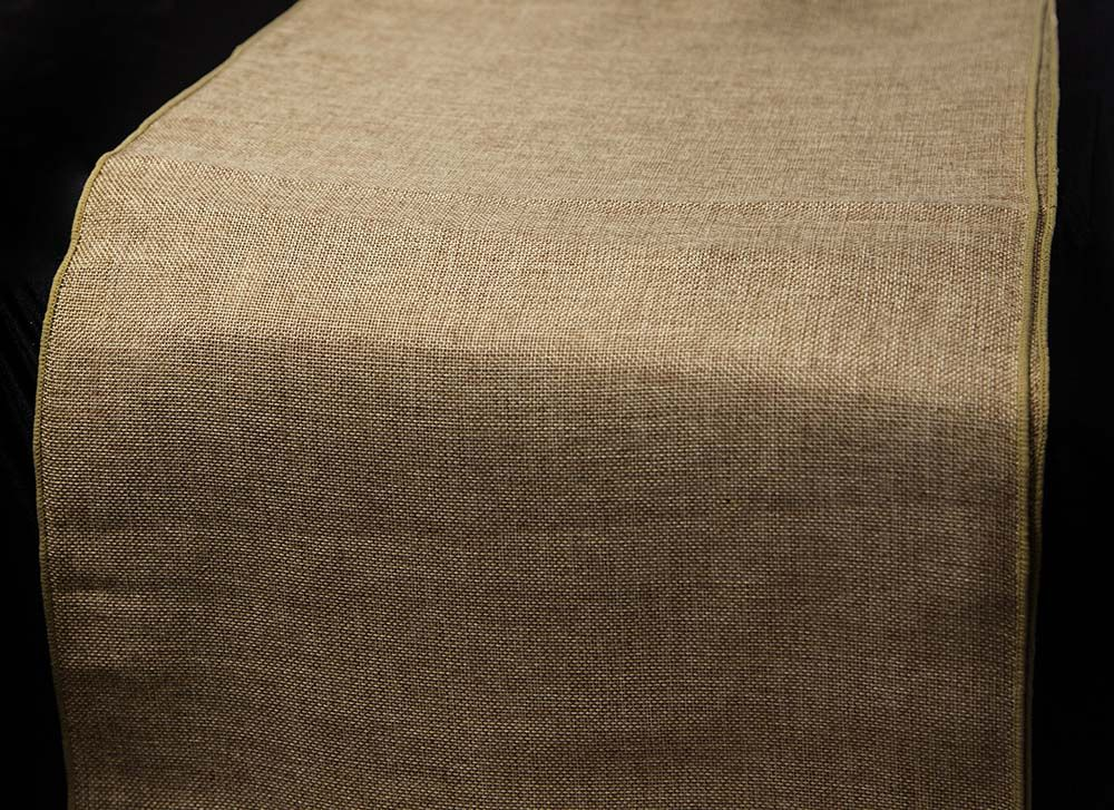 Linen Burlap Table Runners To Match Our Brand New Sashes   Perfect For  Achieving That Rustic