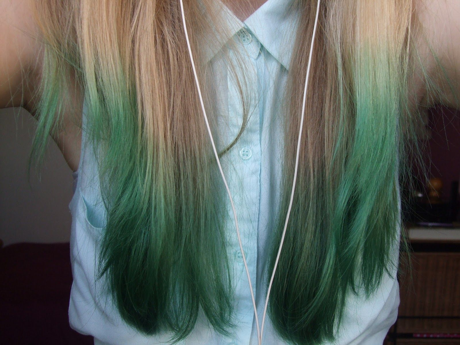 Green Dip Dyed Hair Dip Dye Hair Brown Hair Dip Dyed Blonde
