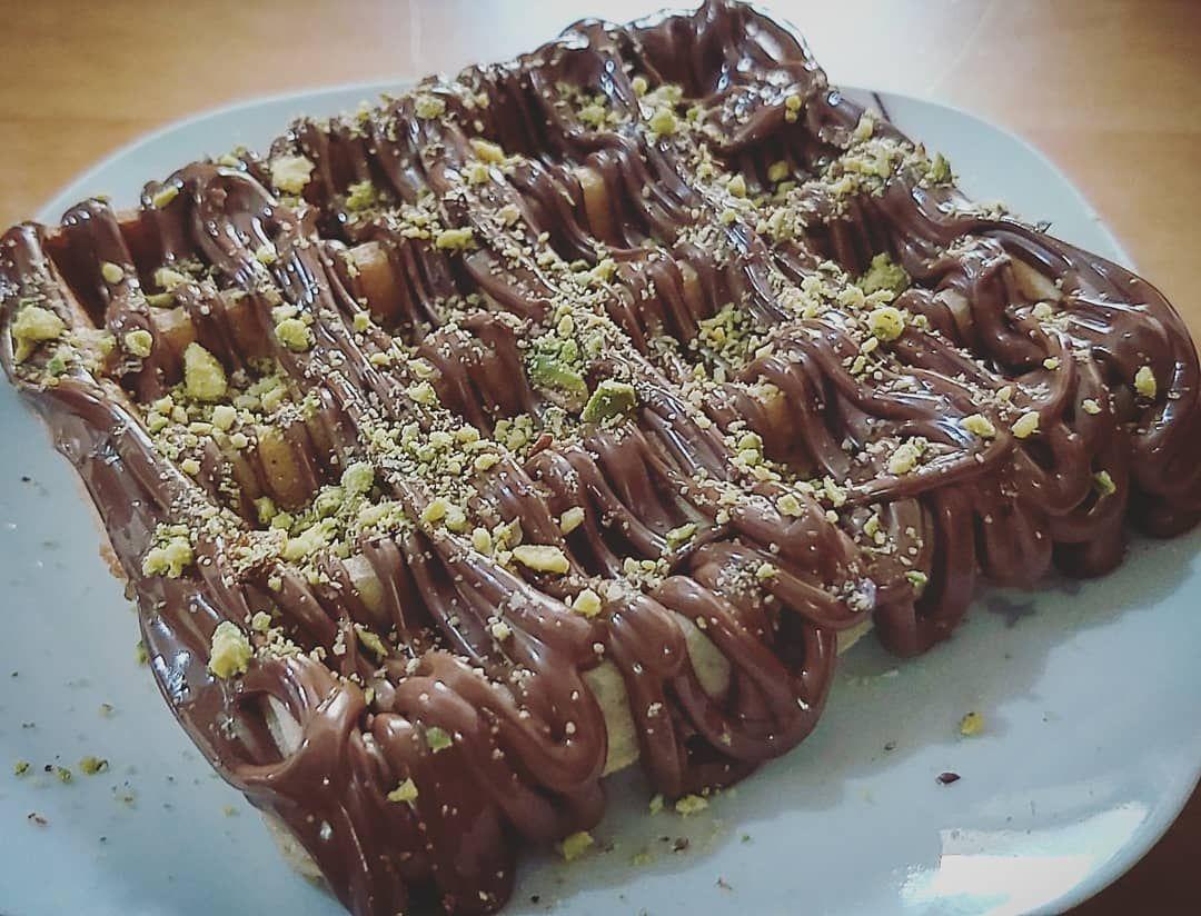وافل نوتيلا حجم صغير فقط ٢ د التوصيل مجاني للطب بقيمة ٥ دنانير و اكثر Waffle Pancakes Crepe Nutella Lotus Pistachio وافل Food Desserts Instagram Posts