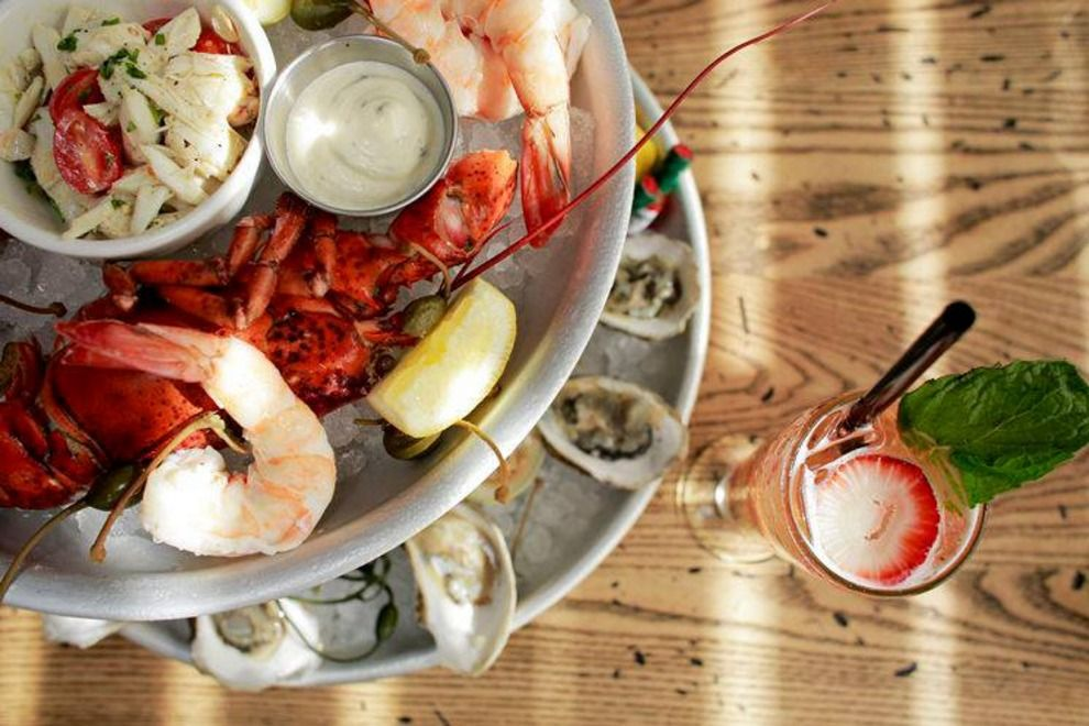 Get Tampa Seafood Restaurants In Tampa Fl Read The 10best