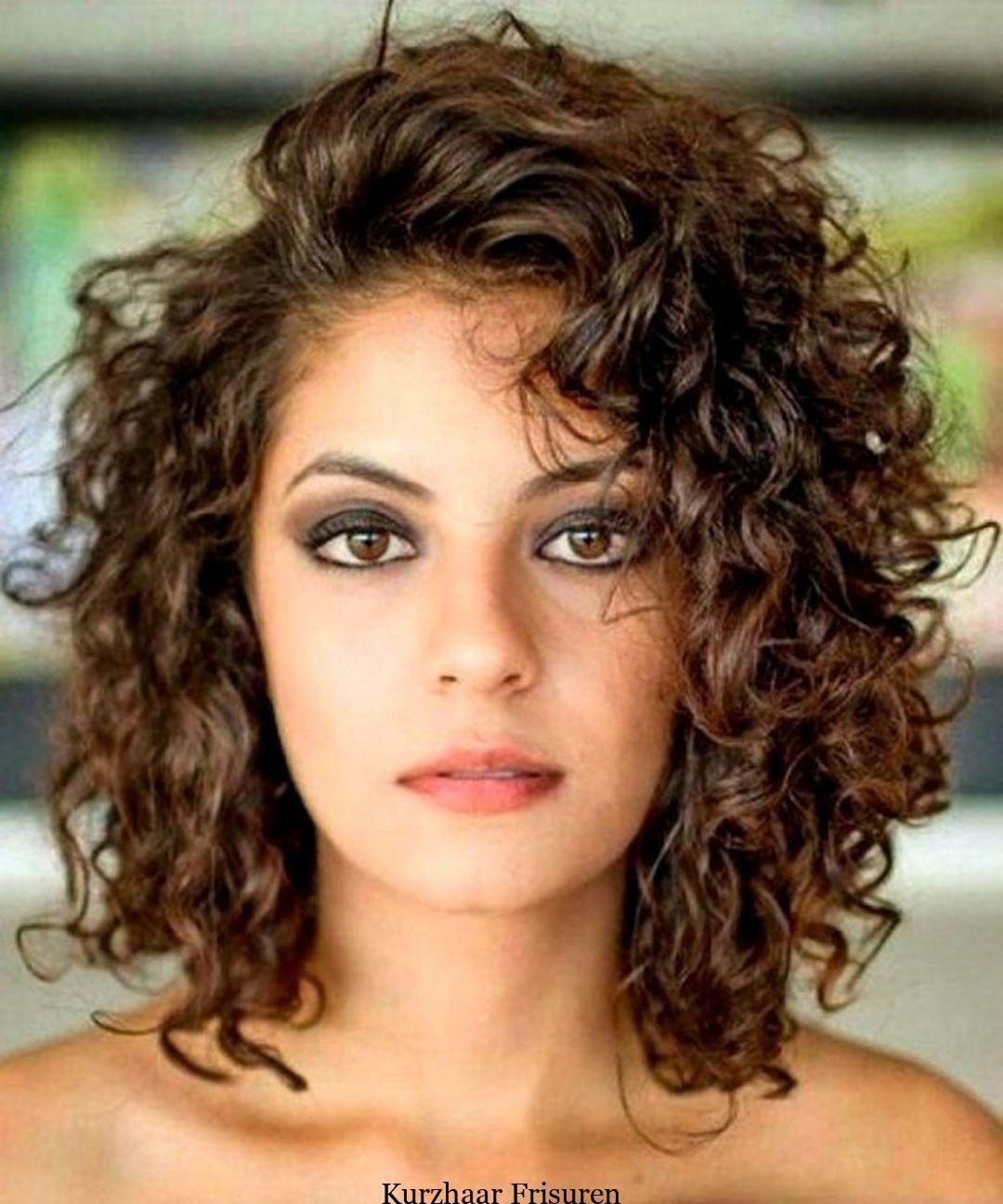 9 schicke lockige Frisuren, damit Sie charmanter aussehen