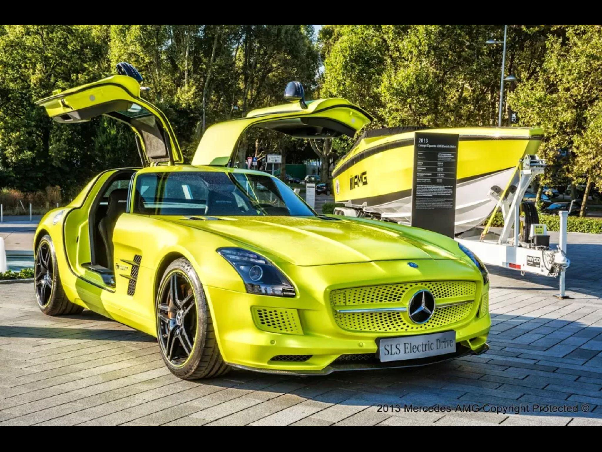 Electric Sls And Amg Race Boat Mercedes Sports Car Mercedes Mercedes Benz Amg