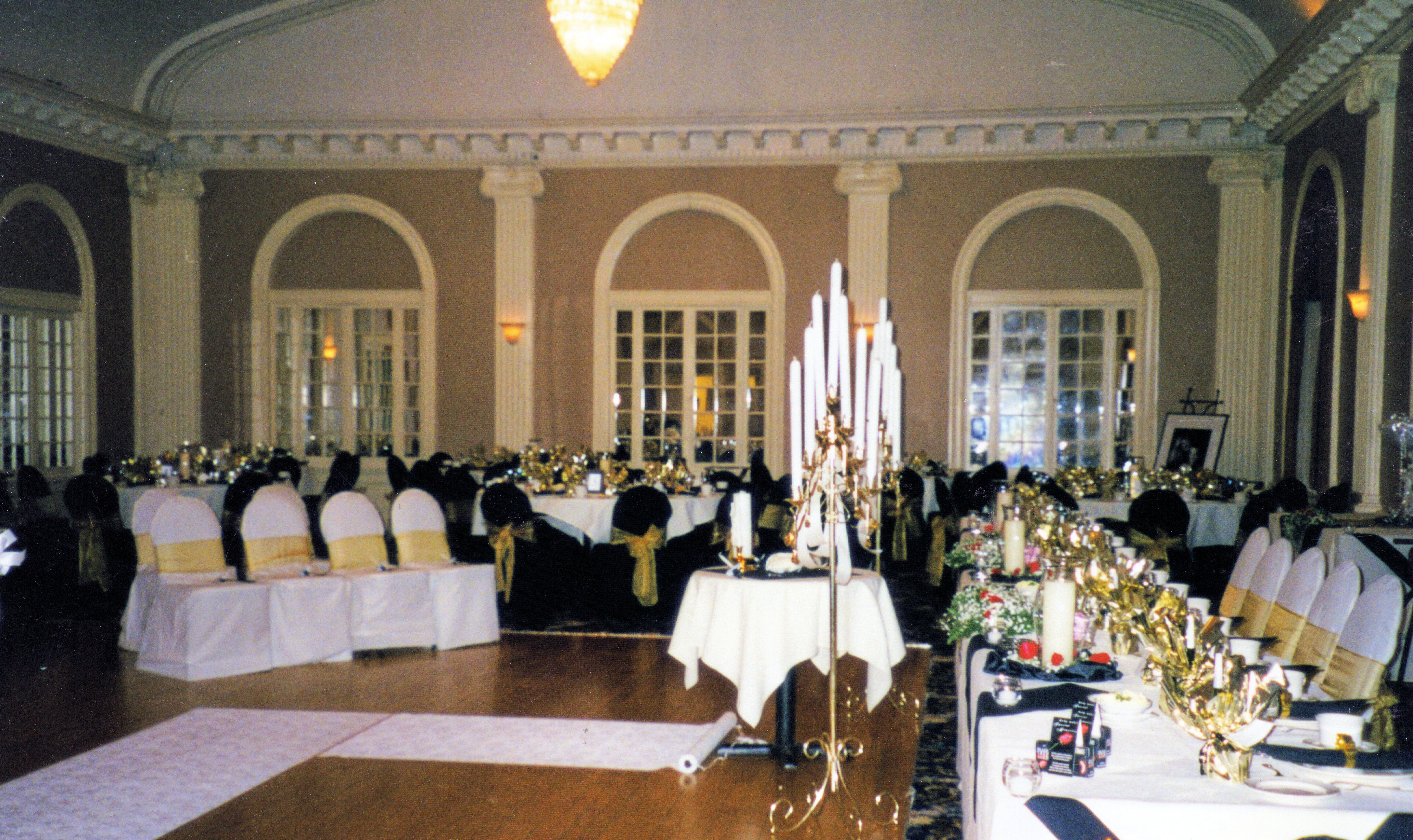 One Of Many Wedding Venue Ceremony Reception Options In The Ious Ballroom At Rochester Club