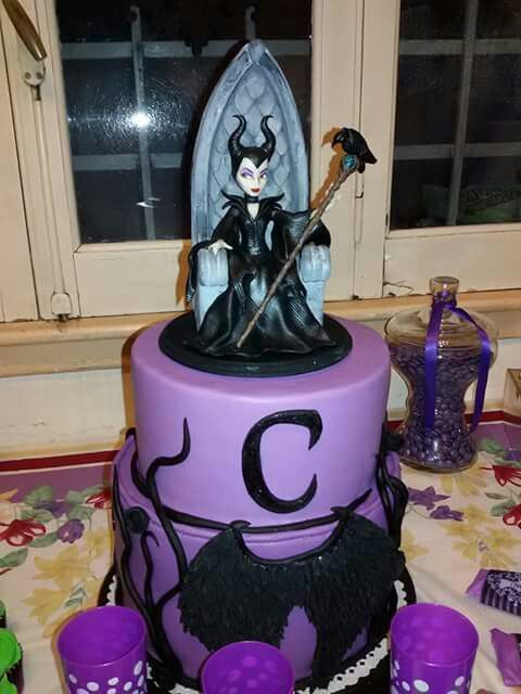 Malefica Maria Antnia Pinterest Maleficent Cake and Cake designs