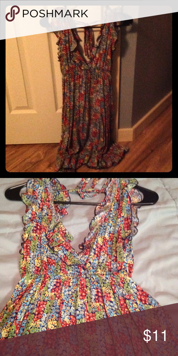 Floral sun dress Knee length floral sundress. Breezy and cool in the summer. Sleeveless. Worn 2-3 times. Great condition. Dresses Midi