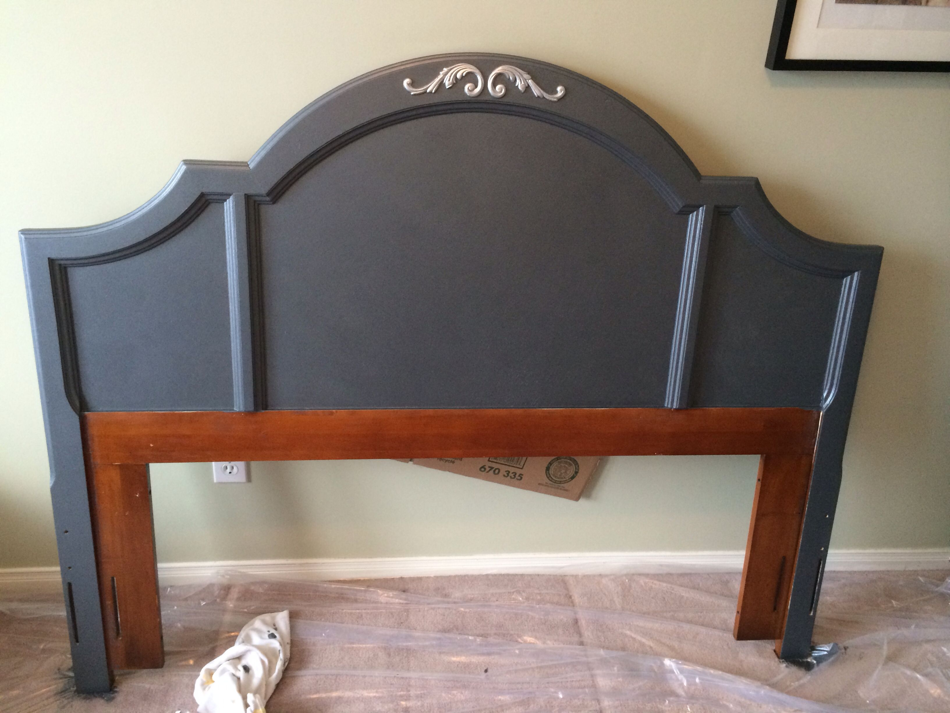 "New Headboard! $40 Find Form Kijiji Makeover With ""Crag"