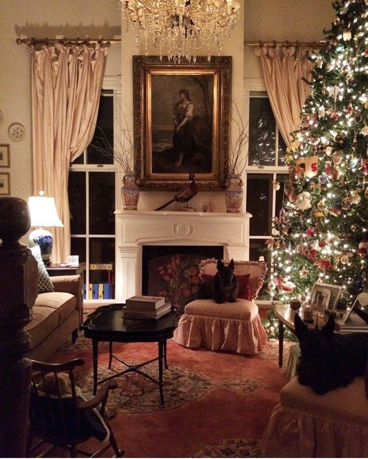 An Old Fashioned Southern Christmas The Glam Pad Southern Christmas Southern Christmas Decorations Old Fashioned House
