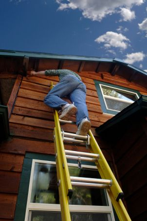 Many Exterior Jobs Involve Getting Up On A Ladder It S Important To Always Select The Proper Ladder For Th Paint Your House House Exterior House Trim Exterior