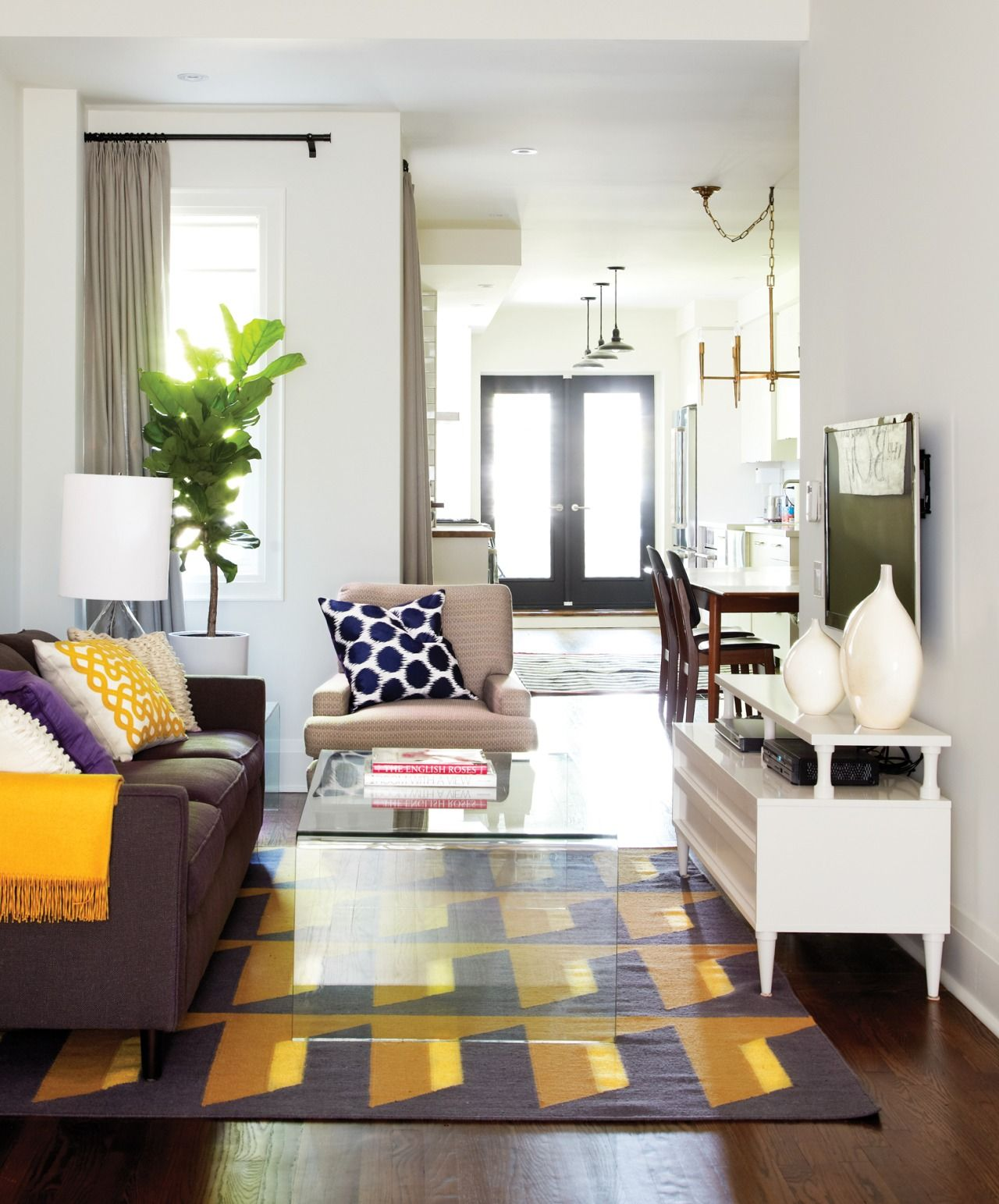Design tips to make a room look bigger and more decor ...