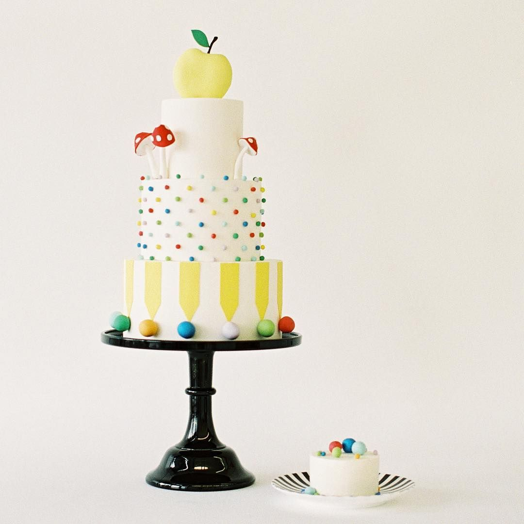 Stupendous Nine Cakes Is A Cake Studio In Brooklyn Ny We Create Delicious Funny Birthday Cards Online Bapapcheapnameinfo