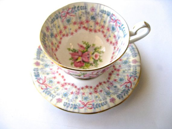 Vintage tea cups tea cup wedding gift bone china tea by Vinphemera
