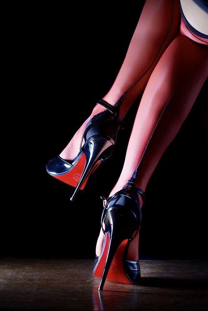 сплав или девушки в фетиш туфлях речь идет прежде