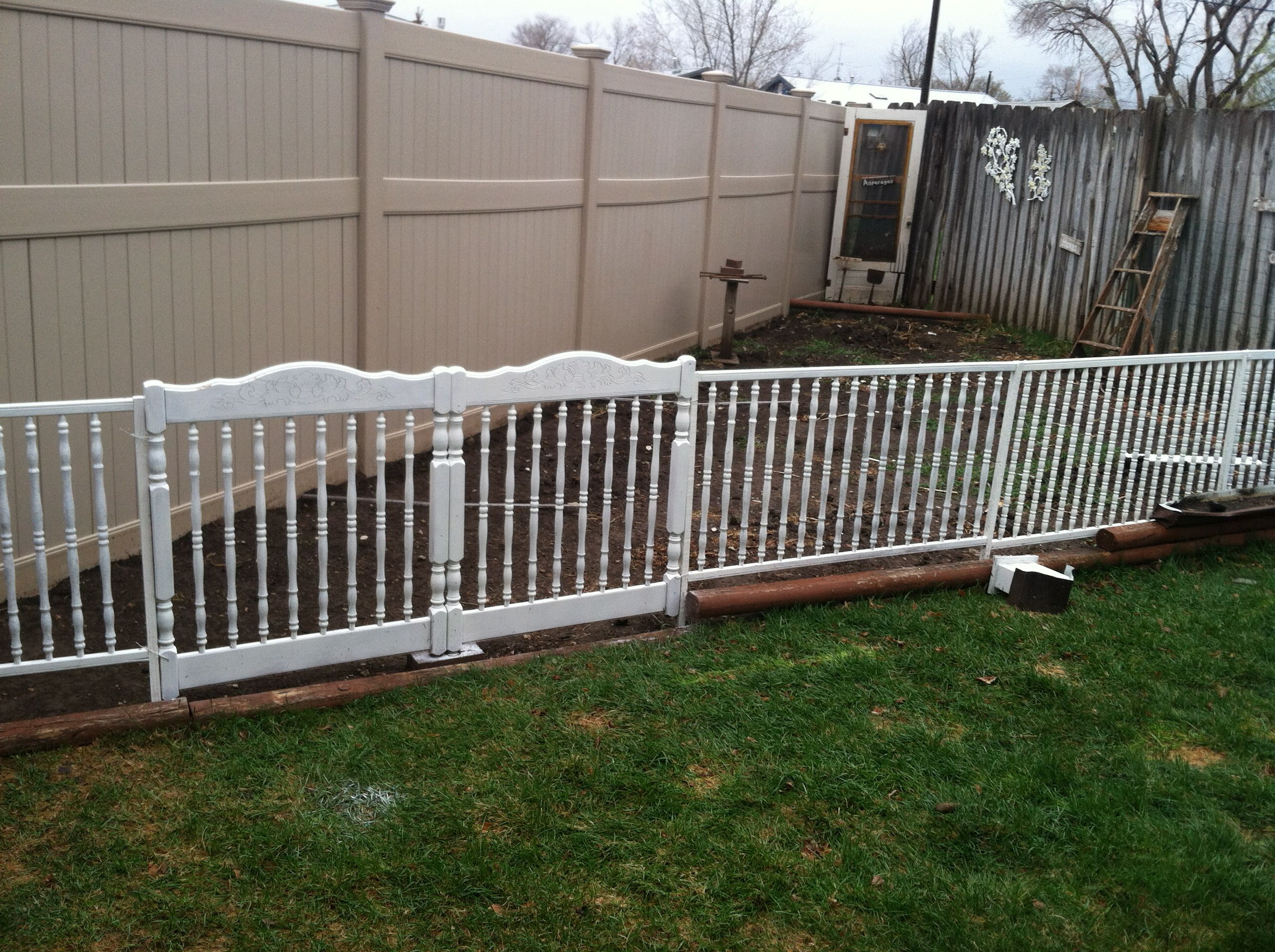Fence Built Out Of Old Quot Unsafe Quot Crib Parts Reuse Redo In