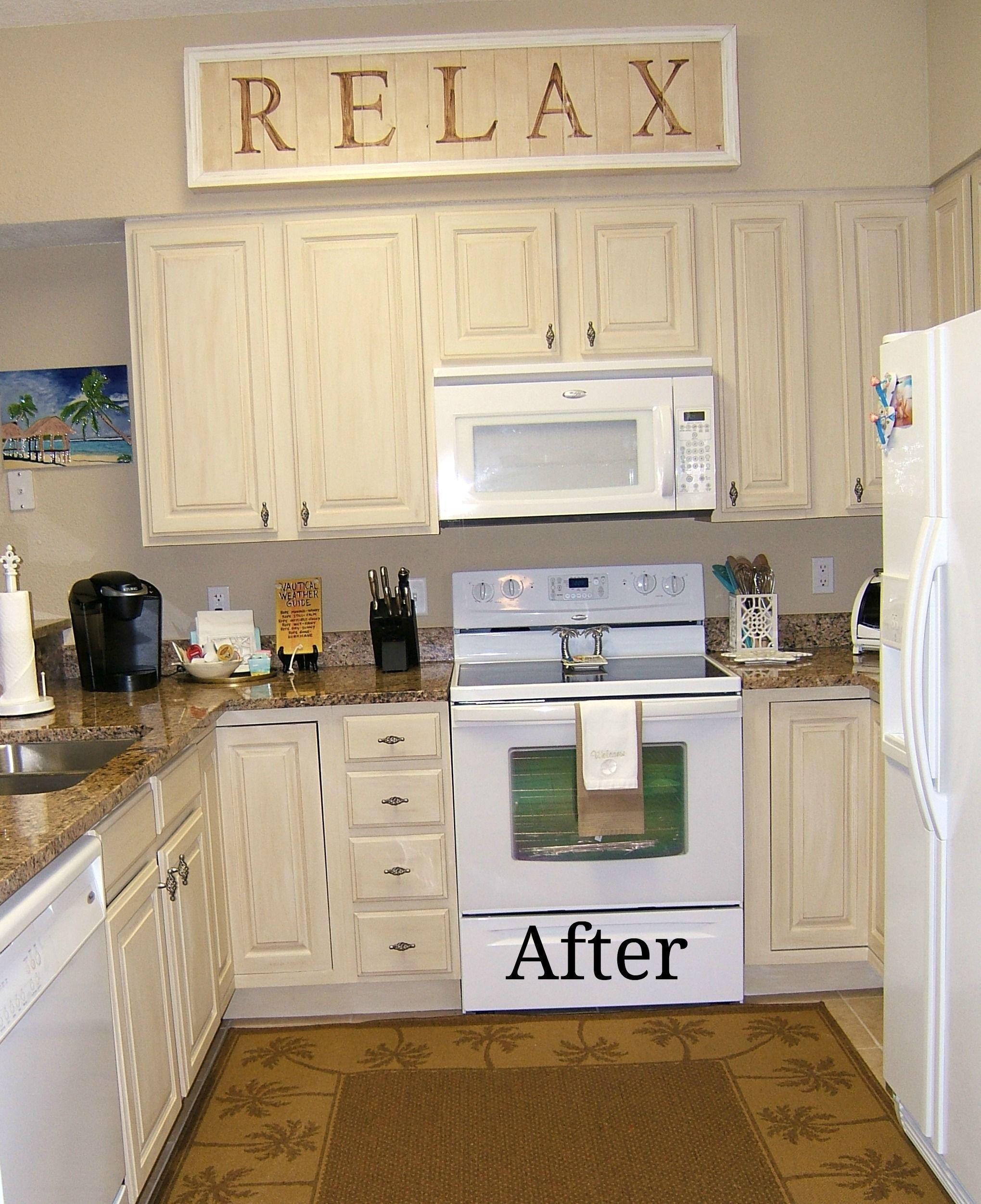 Pin By Mariza Gomez On Coastal Decorating Modern Kitchen Rugs Kitchen Remodel Kitchen Cabinets